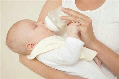 如何给宝宝选择奶粉,妈妈们应该知道的方法