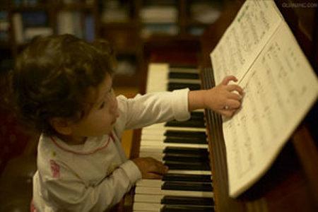 家长怎样确定孩子学钢琴的最佳年龄?