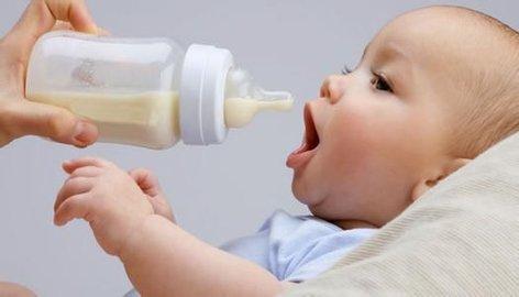 宝宝呛而且还是被那个叫做奶怎么办,正确的宝门刚好打开了宝呛奶处理办法